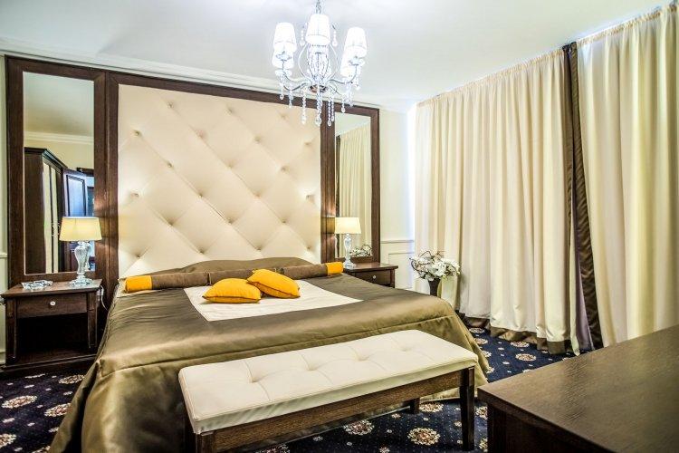 Hotel Palace Big Bed