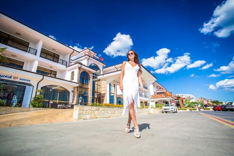 Vlas Hotel Palace